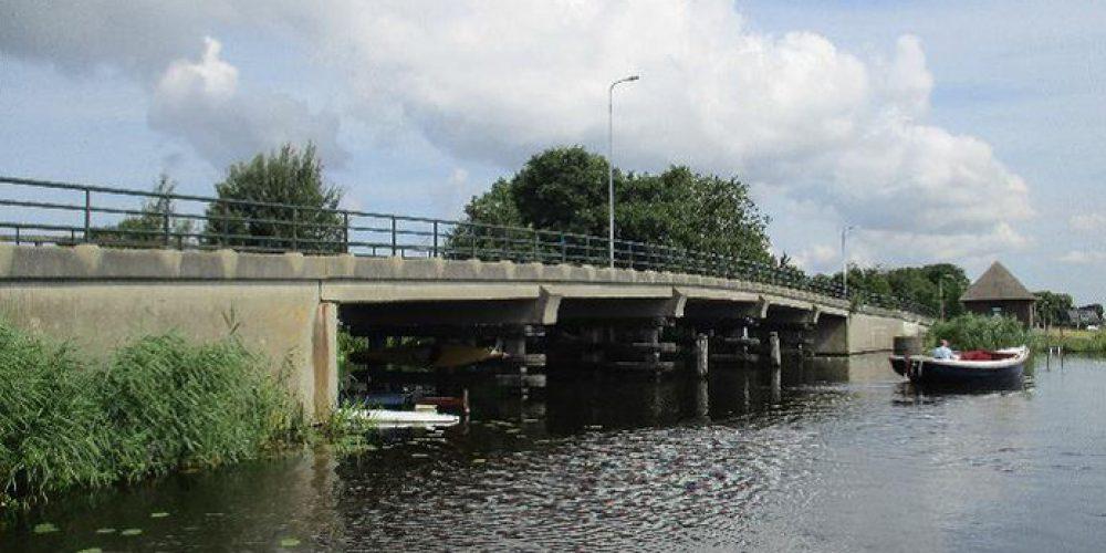 http://www.campingspijkerboor.nl/content/uploads/Lange-Brug-in-Oud-Ade-afgesloten-voor-autos.jpg